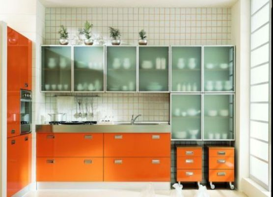 Кухня пластик со стеклом